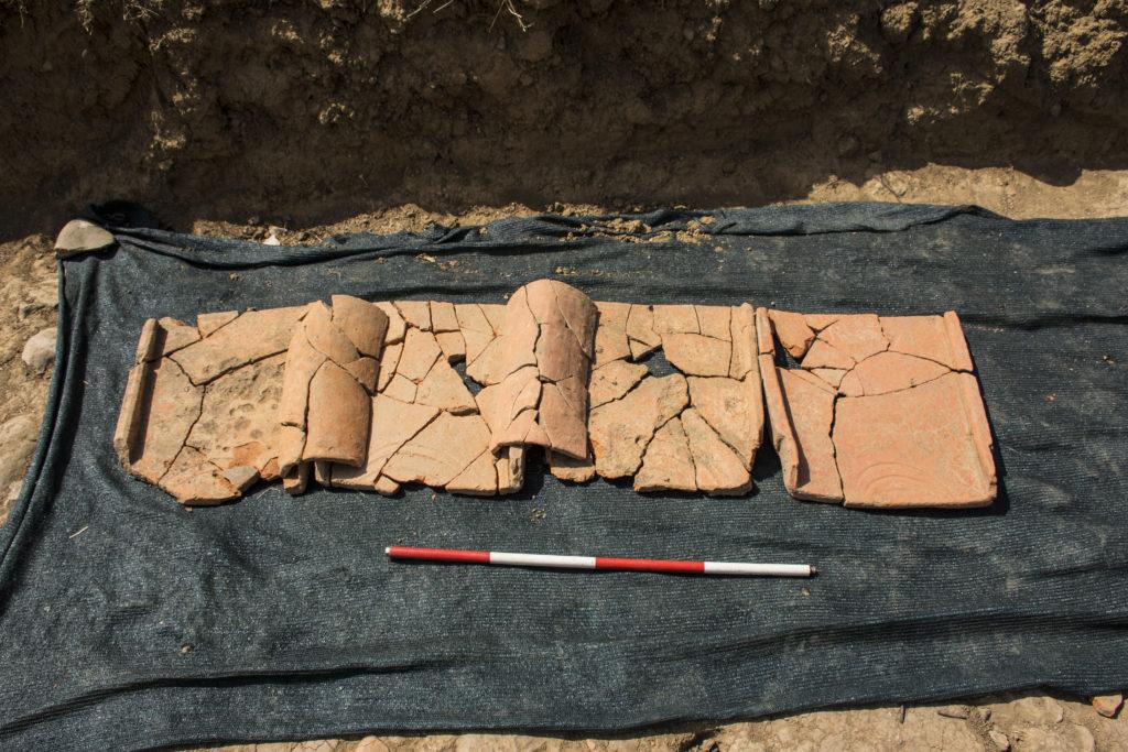 Esempio di frammenti di tegole e coppi dagli ambienti 15 e 16